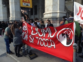 Sit-in studenti, no sgombero Sa Domu