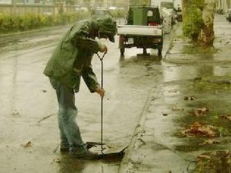 Pioggia a Livorno,automobilisti soccorsi