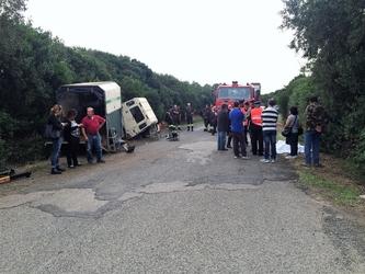 Auto si ribalta, muore ex carabiniere