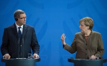 Libia: Merkel, avanti su strada Leon