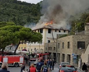 Brucia palazzina Porto Venere, sfollati