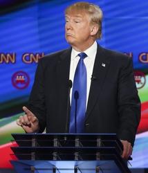 Trump a Romney, solo io batto Hillary