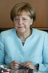 Merkel, non c'è limite a richieste asilo