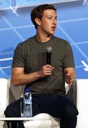 Zuckerberg 'motiva' impiegati con katana