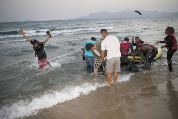 Grecia: a Kos migranti presi a bastonate