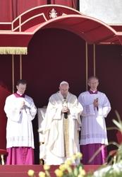 Papa proclama 7 nuovi santi