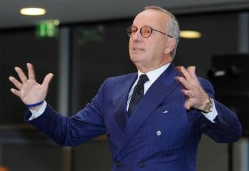 VW: Walter De Silva lascia