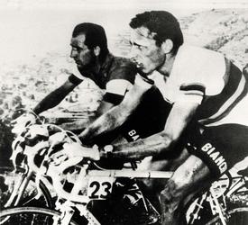 In centinaia ricordano Fausto Coppi