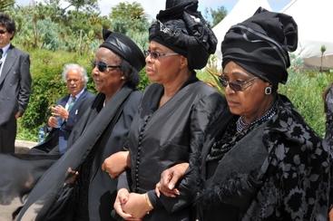 Mandela: ex moglie Winnie reclama casa
