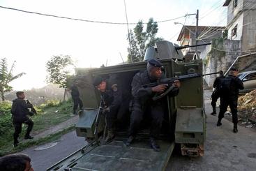 Brasile: militari occupano favelas Marè