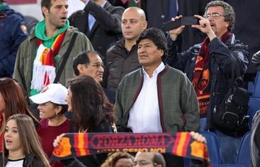 Presidente Bolivia in tribuna tifa Roma