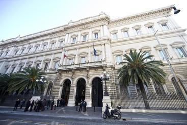 Bankitalia:debito luglio cala a 2199 mld