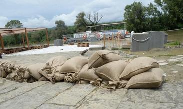 Maltempo, a Ostia arrivano sacchi sabbia