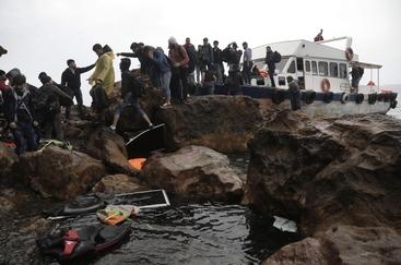Migranti: 6 morti nel mar Egeo, 2 bimbi