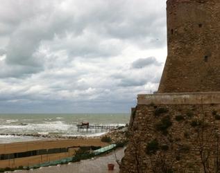 Maltempo, nevischio e vento su litorale