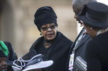 Mandela: ex moglie Winnie sarà operata