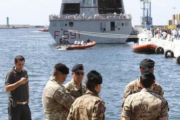 A Napoli nave con 700 immigrati