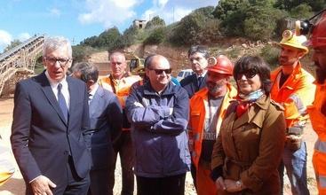 Miniera Olmedo: visita Pigliaru a operai