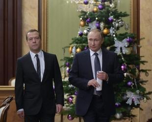 Cambi: rublo a picco su euro e dollaro