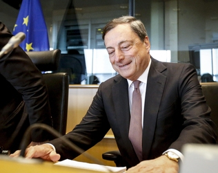 Draghi, Ue deve salvaguardare euro