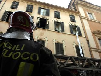 Rogo in appartamento, muore donna a Roma