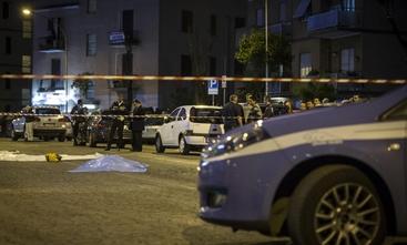 Auto non ferma a alt,1 morta e 7 feriti