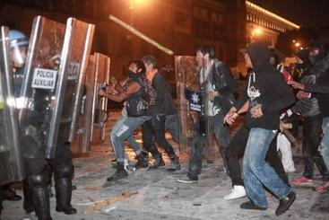Messico: scontri nella capitale