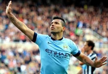 Chelsea e City in goleada, Sanchez stende i Saints
