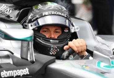 Rosberg in pole, Ferrari in terza fila