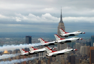 F-16 Fighting Falcons above New York City
