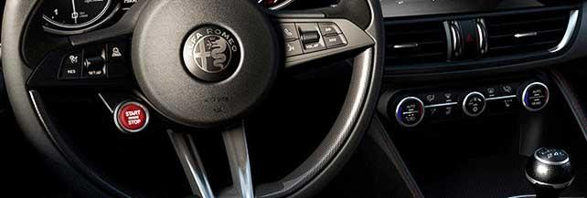 Alfa Romeo Giulia: foto, info e prezzi del gioiello italiano