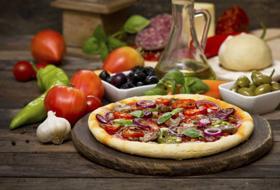 Pizza sì, ma senza mozzarella: come fare la pizza vegan