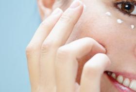 Come ringiovanire il contorno occhi