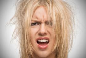 Addio effetto crespo: i rimedi della nonna per capelli  perfetti