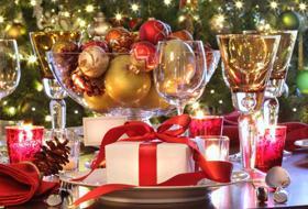 La tavola per le feste: consigli su come apparecchiare e decorare