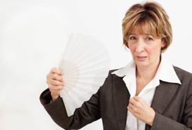 Menopausa: i 10 alimenti per combattere vampate e sbalzi di umore