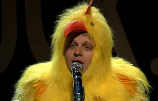 Michael Bublè fa il pollo. Foto