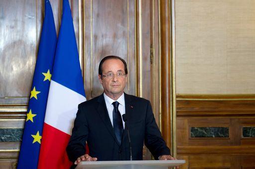 Legislative in Francia, urne aperte con la sinistra favorita