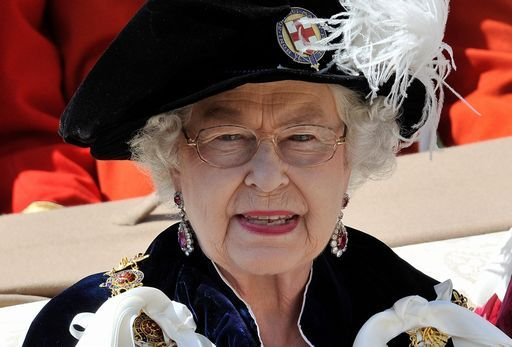 "Oggi ""stretta di mano"" tra Elisabetta II e l'ex Ira McGuinness"