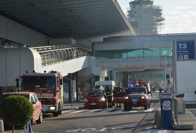 Incendio a Fiumicino. Foto