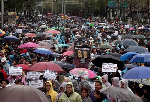 Messico, la rabbia per gli studenti scomparsi