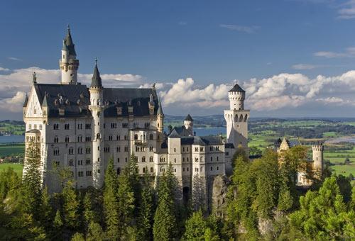 http://img.plug.it/sg/viaggi2008/upload/cas/0003/castello-neuschwanstein-baviera-germania-d.jpg