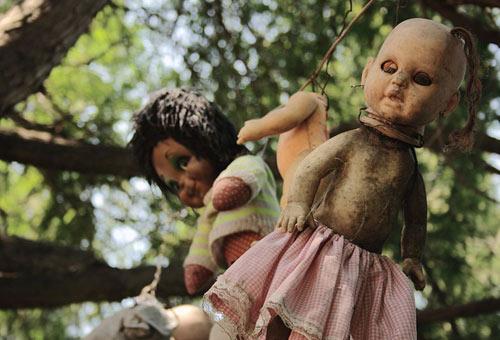 http://img.plug.it/sg/viaggi2008/upload/isl/island-of-the-dolls-mexico.jpg