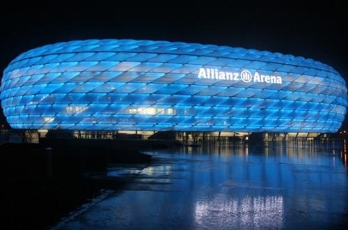http://img.plug.it/sg/viaggi2008/upload/mon/0004/monaco-allianz-arena.jpg