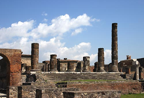 http://img.plug.it/sg/viaggi2008/upload/pom/pompei.jpg