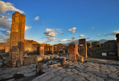 http://img.plug.it/sg/viaggi2008/upload/pom/pompei_wiki-general-cucombre.jpg