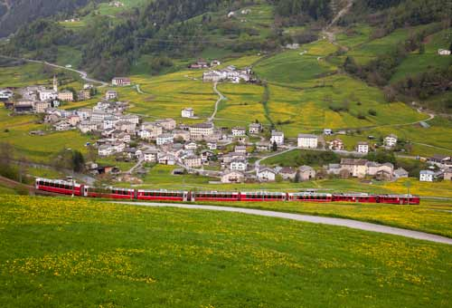 http://img.plug.it/sg/viaggi2008/upload/tre/0002/trenino-express.jpg