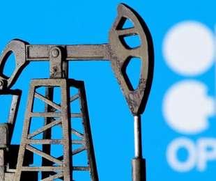 Petrolio Opec Plus verso proroga dei tagli con ù disciplina,