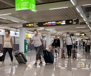 Italia viola diritti passeggeri con voucher posto rimborsi