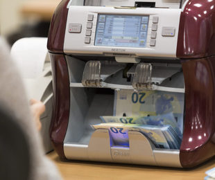 banche frenano sui prestiti ò bastare cambiare agenzia Corsa ostacoli per 25mila euro garantiti dallo Stato Una stessa ...